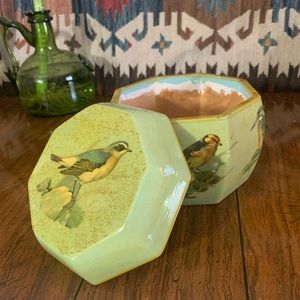 Vintage green wooden decoupaged birds lacquer box